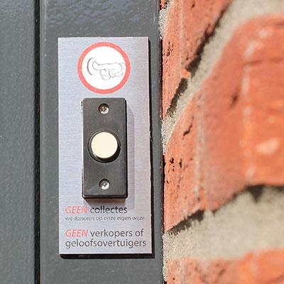geen-collectes-geen-verkopers-aan-de-deur-rvs-bordje-1